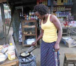 O comércio informal proporciona alguma autonomia às mulheres