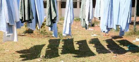 Panos a secar no HPB durante uma campanha
