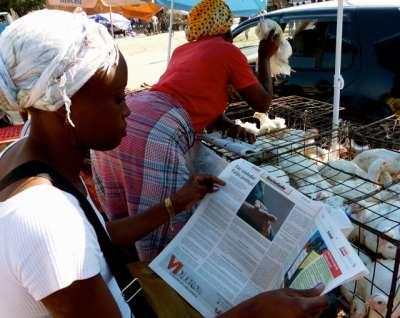 Distribuição do jornal A Verdade nos bairros do Infulene e Liberdade