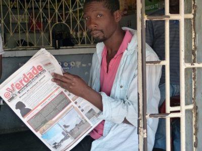 aDistribuição do jornal A Verdade nos bairros do Infulene e Liberdade